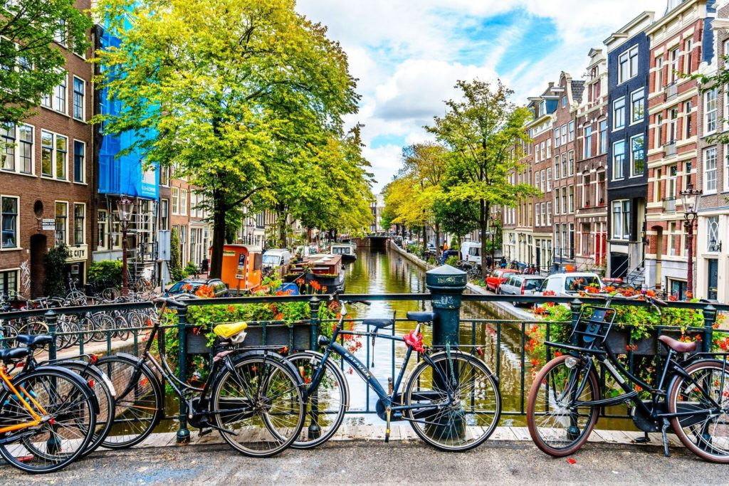 billig fly og hotel amsterdam